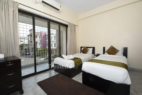 Service Apartment in Salt Lake City, Kolkata | Master Bedroom