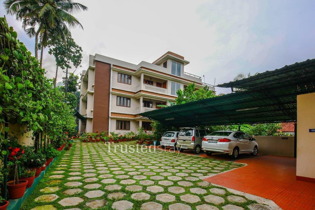 Service Apartments in Kalamassery , Cochin | Master Bedroom